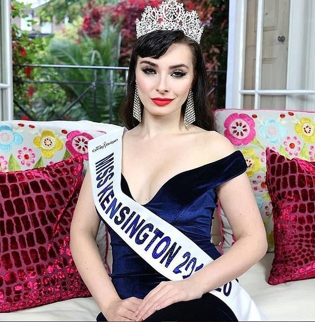 Chia sẻ của người đẹp bị loại khỏi cuộc thi Hoa hậu vì ảnh ngực trần - 1