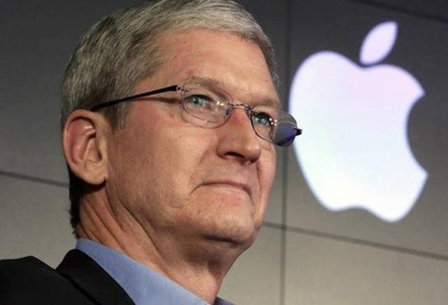 CEO Tim Cook của Apple bị người lạ quấy rối - 1