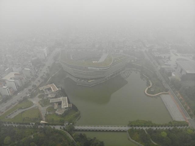 """Chất lượng không khí diễn biến xấu: Hà Nội """"đứng đầu"""" - 1"""