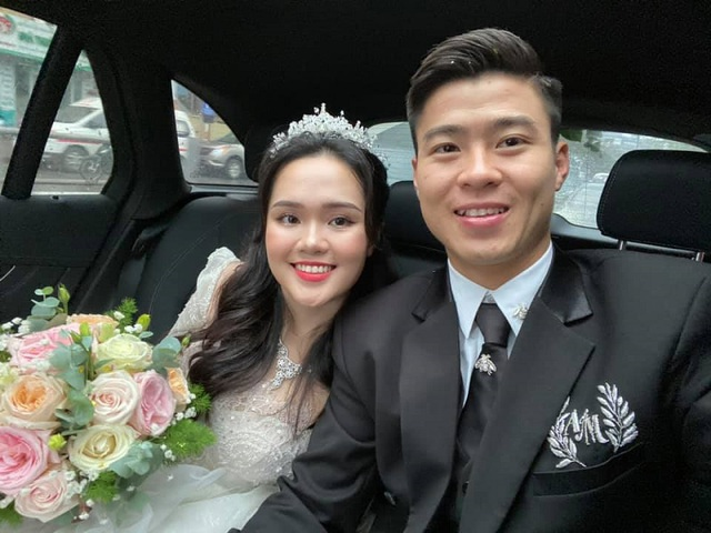 Hậu đám cưới xa hoa, vợ chồng Duy Mạnh hoãn trăng mật vì quá bận - 1