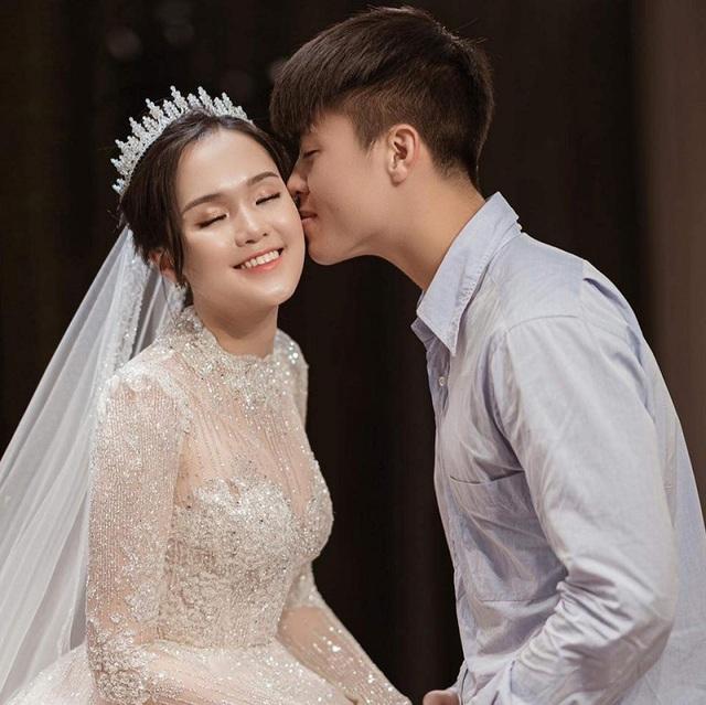 Hậu đám cưới xa hoa, vợ chồng Duy Mạnh hoãn trăng mật vì quá bận - 4