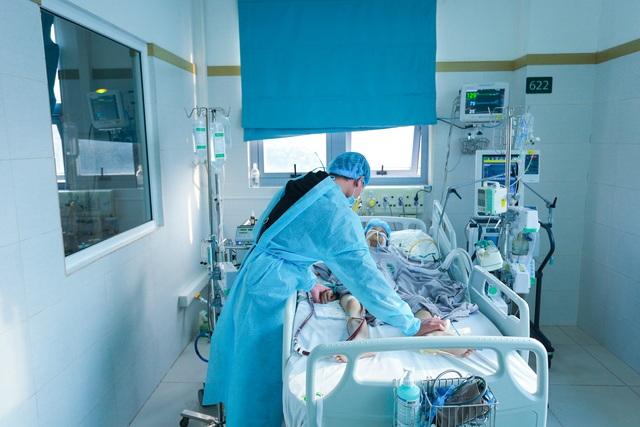 Hài nhi ngừng tim 10 phút, bạn đọc giúp đỡ 1,2 tỉ đồng cứu sản phụ - 8
