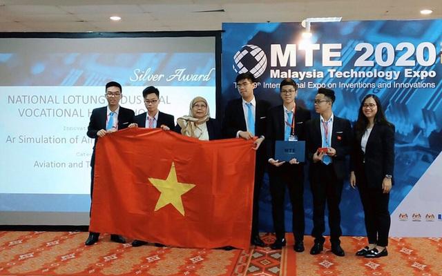 Học sinh Việt Nam đạt huy chương Bạc cuộc thi Sáng kiến và Đổi mới Quốc tế - 2