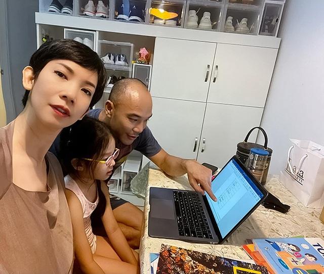 Hoa hậu H'Hen Niê, Khánh Vân kêu gọi mọi người hạn chế ra đường mùa dịch - 9