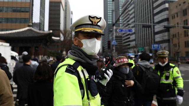 Dịch Covid-19 ở Hàn Quốc: ĐSQ Việt Nam sẵn sàng bảo hộ công dân trong trường hợp cần thiết - 1
