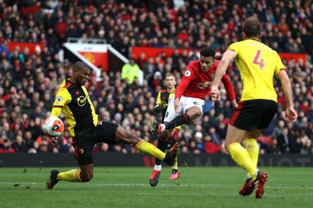 Man Utd 3-0 Watford: Màn tỏa sáng rực rỡ của Fernandes - 3