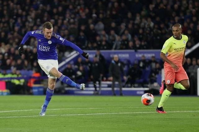 Leicester 0-1 Man City: Aguero sút hỏng phạt đền, Jesus thành người hùng - 4