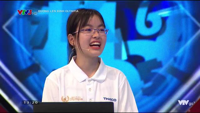 Nữ sinh tặng bánh đa kế khổng lồ giành chiến thắng thi tuần Olympia - 4