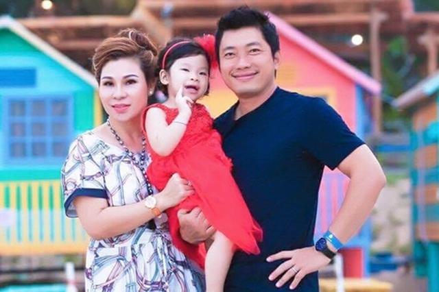 """Sao Việt: Người kết hôn bí mật, người trì hoãn đám cưới với """"đại gia"""" - 4"""