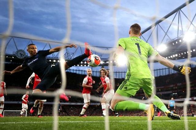 Những khoảnh khắc trong màn ngược dòng của Arsenal trước Everton - 11