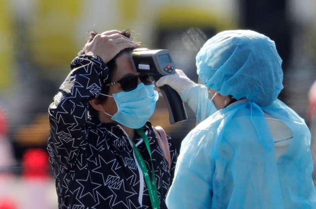 """Nhật Bản loay hoay khi """"thả nhầm"""" khách du thuyền bị nhiễm virus corona - 1"""
