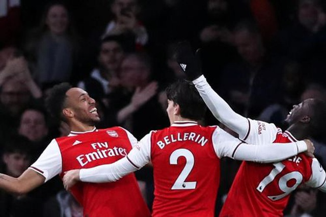 Arsenal 3-2 Everton: Cú đúp của Aubameyang - 1
