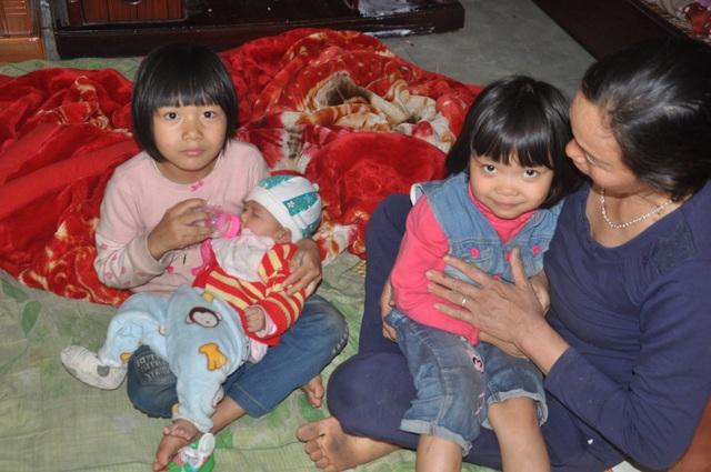 Những đứa trẻ bất hạnh bị bố mẹ bỏ rơi sống trong nghèo đói - 1