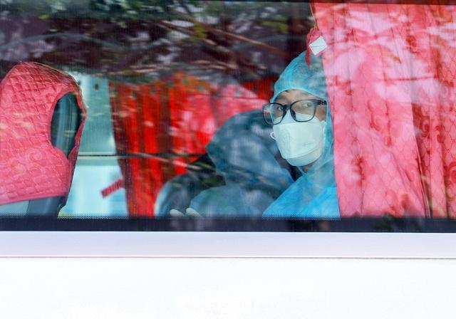 Nhóm khách Hàn Quốc ở Đà Nẵng không đồng ý vào khu cách ly tại bệnh viện - 1