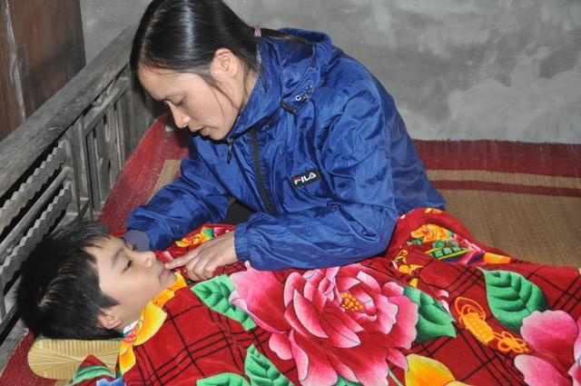 Được giúp đỡ gần 900 triệu đồng, cơ hội mở ra cho cậu bé được ghép phổi - 2