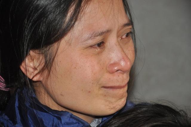 Người mẹ nghẹn ngào cầu xin các nhà hảo tâm cứu con - 1