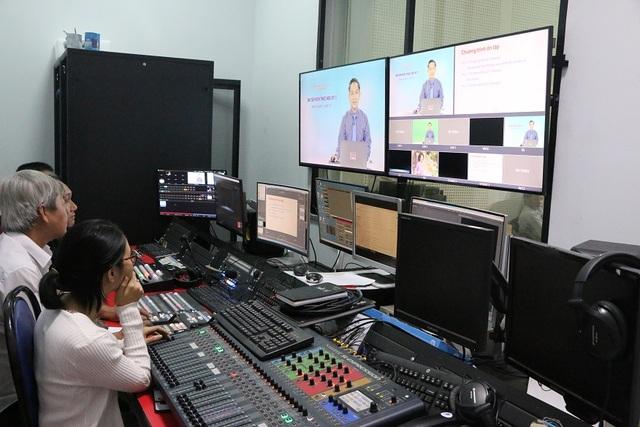TPHCM: Ôn tập cho học sinh cuối cấp qua truyền hình - 1