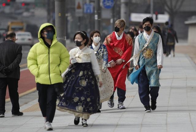 Các nước đồng loạt cấm người Hàn Quốc nhập cảnh - 1