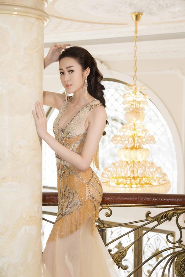 Anika Trinh Trinh diện váy pha lê xuyên thấu - 2