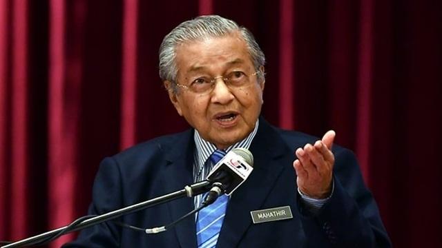 Thủ tướng Malaysia nộp đơn từ chức - 1