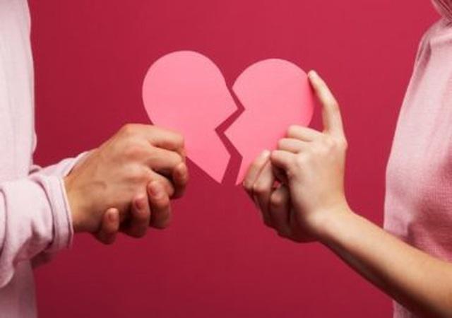 Mở tiệc ăn mừng sau khi ly hôn: Phụ nữ bỏ chồng đâu cứ phải buồn bã - 1