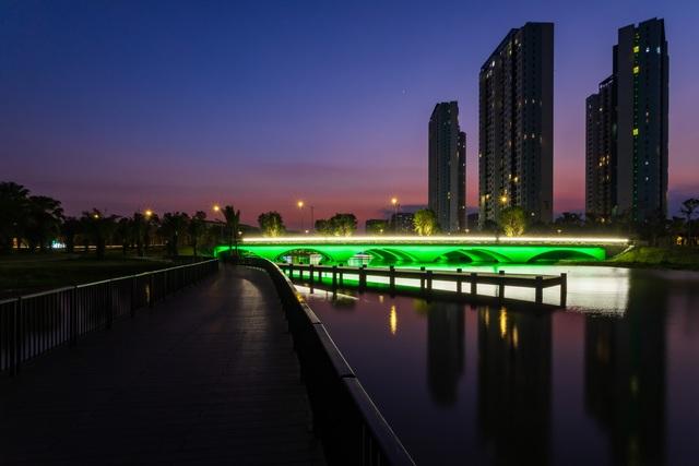Cận cảnh những cây cầu đẹp lung linh tại thành phố xanh ngay gần Hà Nội - 4