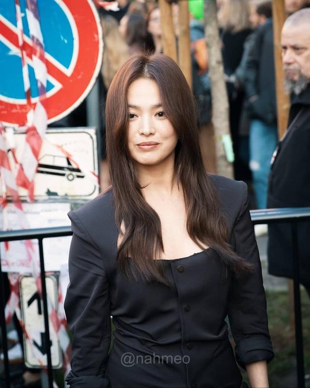 Song Hye Kyo xinh đẹp tại tuần lễ thời trang Milan - 2