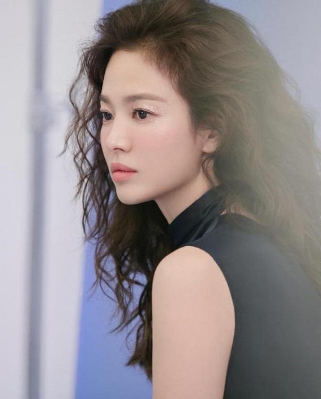 Song Hye Kyo xinh đẹp tại tuần lễ thời trang Milan - 15