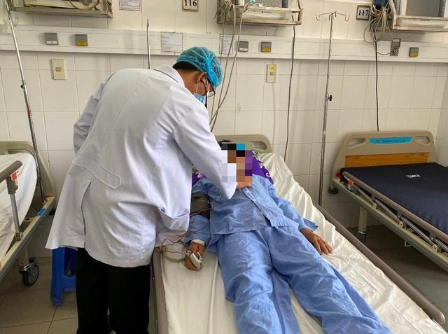 Cứu sống ngoạn mục bệnh nhân vừa xuất huyết tiêu hóa vừa nhồi máu cơ tim - 3