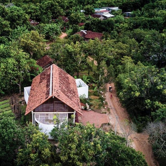 Ngôi nhà cấp 4 ở Đắk Lắk đẹp như resort nhờ thiết kế độc lạ - 2