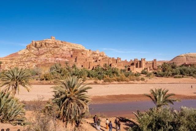 Khám phá kỳ quan thế giới trên sa mạc đỏ - 2