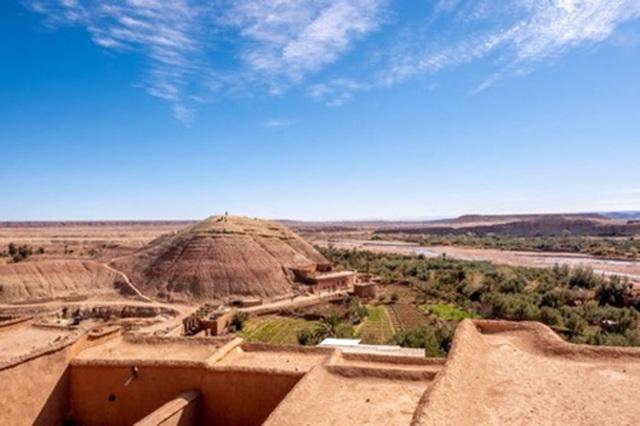 Khám phá kỳ quan thế giới trên sa mạc đỏ - 7