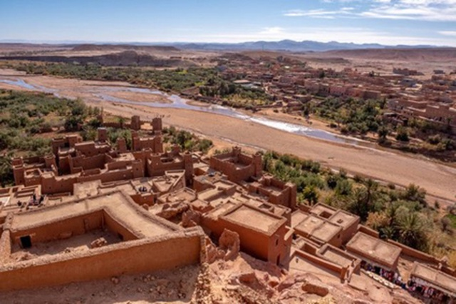 Khám phá kỳ quan thế giới trên sa mạc đỏ - 10