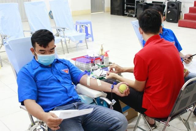 Lan tỏa phong trào hiến máu cứu người mùa dịch ở Dược Hậu Giang - 2