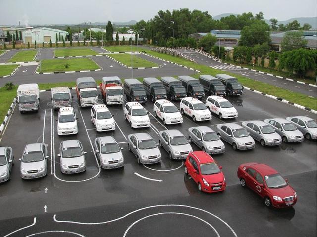 Tại sao học phí lái xe ô tô có thể tăng đến 30 triệu đồng? - 1