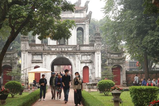 Hơn 1,3 triệu khách du lịch đến Hà Nội trong tháng 2 - 1