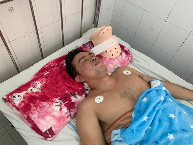 Bác sĩ kêu gọi bạn đọc giúp đỡ người đàn ông bị liệt tứ chi sau vụ tai nạn - 2