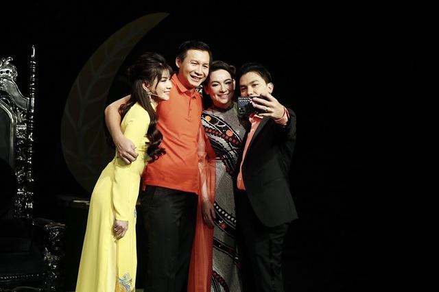 Kha Ly tiết lộ rất thần tượng Phi Nhung, Mạnh Quỳnh - 2