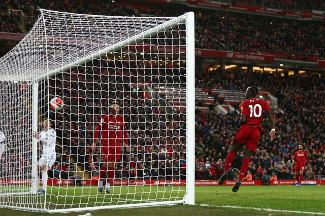 Liverpool cân bằng kỷ lục 18 trận toàn thắng liên tiếp của Man City - 1