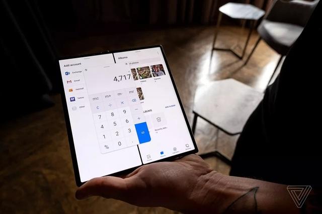 Huawei trình làng smartphone màn hình gập Mate Xs, giá 2.700 USD - 2