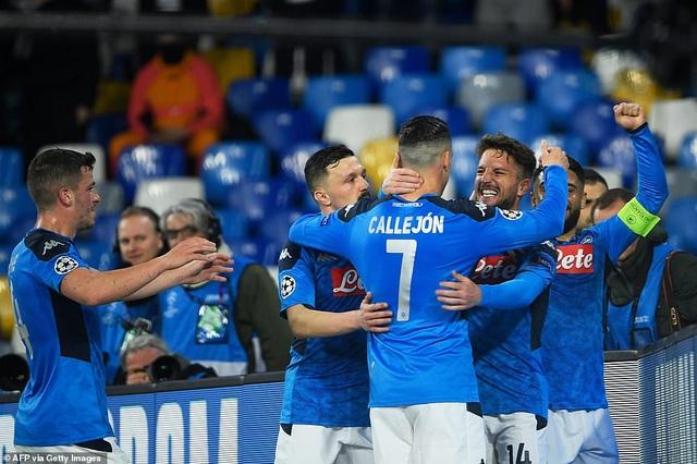 Napoli 1-1 Barcelona: Messi nhạt nhòa, Griezmann lập công - 4