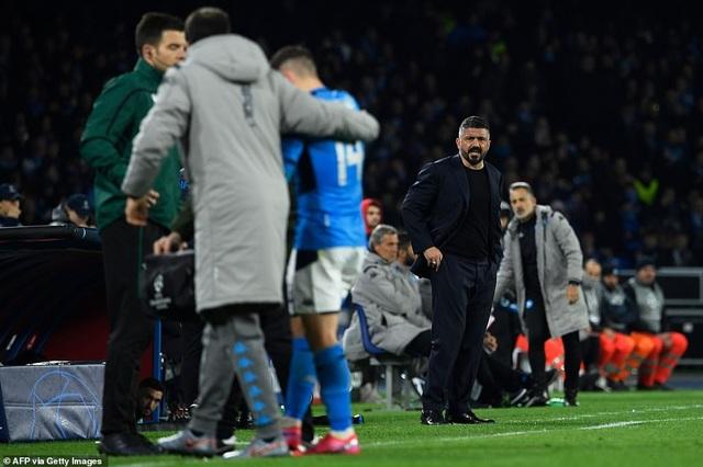 Napoli 1-1 Barcelona: Messi nhạt nhòa, Griezmann lập công - 6