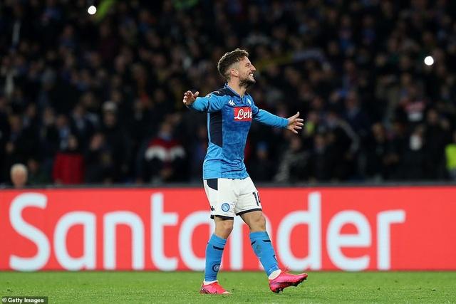 Napoli 1-1 Barcelona: Messi nhạt nhòa, Griezmann lập công - 3