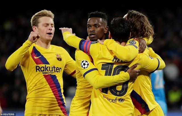 Napoli 1-1 Barcelona: Messi nhạt nhòa, Griezmann lập công - 10