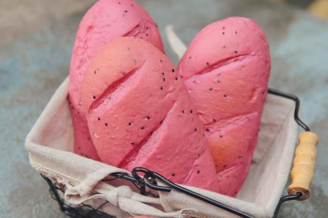 Chia sẻ công thức làm bánh mì thanh long để nhân rộng cuộc giải cứu  - 1