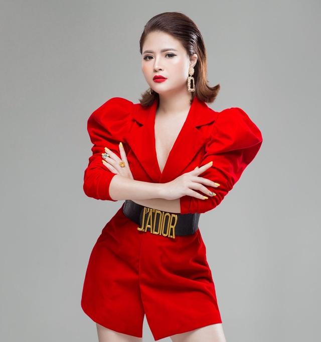 Doanh nhân Vũ Thị Hà Giang (Giang Venux): đạt nút bạc kênh youtube - 3