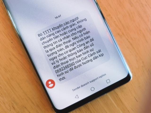 Bộ TT&TT khuyến cáo không chuyển tiền cho người lạ qua điện thoại