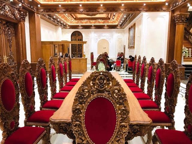 Lâu đài của đại gia Việt: Dát vàng 24k, xây cả nhà hát tráng lệ bên trong - 7