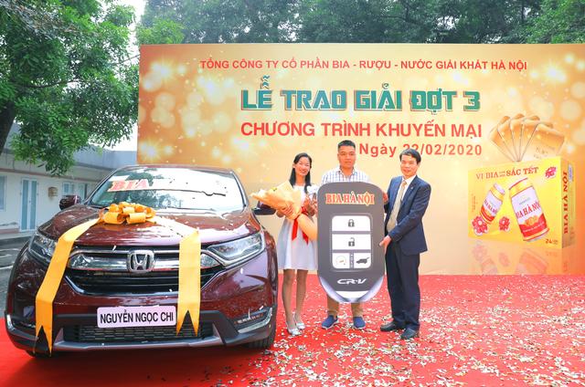 """Bia Hà Nội trao giải cho những khách hàng may mắn cuối cùng trong chương trình khuyến mại """"Vị Bia làm nên sắc Tết"""" - 2"""
