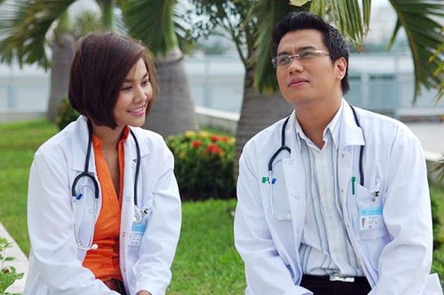 Ngắm Việt Anh, Nhã Phương, Việt Hương và loạt sao hoá thân thành bác sĩ - 8